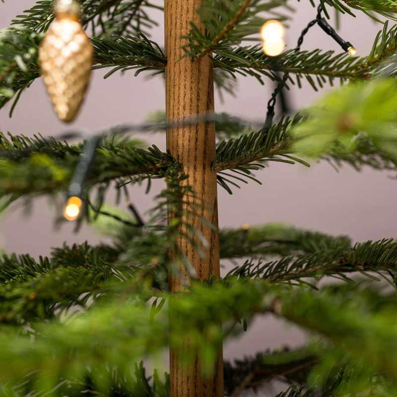 Holzständer zum Baum bauen zu Weihnachten